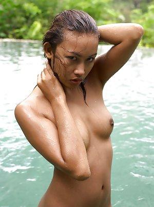 Japanese Teen in Pool Pics
