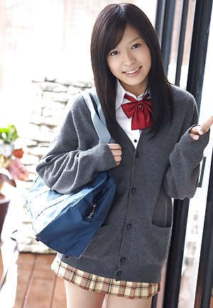 Japanese Schoolgirl Pics
